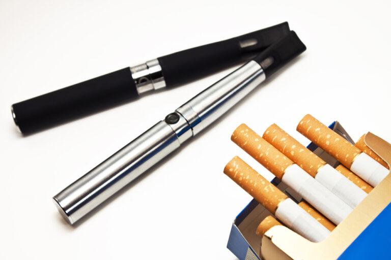電子タバコと紙タバコ